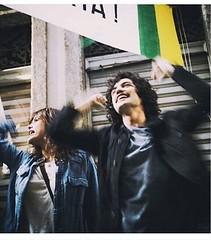 Na ficção e na vida ao vivo:  DIRETAS  JÁ !!!  #blogauroradecinemadeolhonatv #tvglobo @redeglobo #songs  #osdiaseramassim #superserie  #teledramaturgia #gabrielleone #brazilianactor  @leonegabriel #politica #diretasja #belchior  #ditadura #positivemind #a
