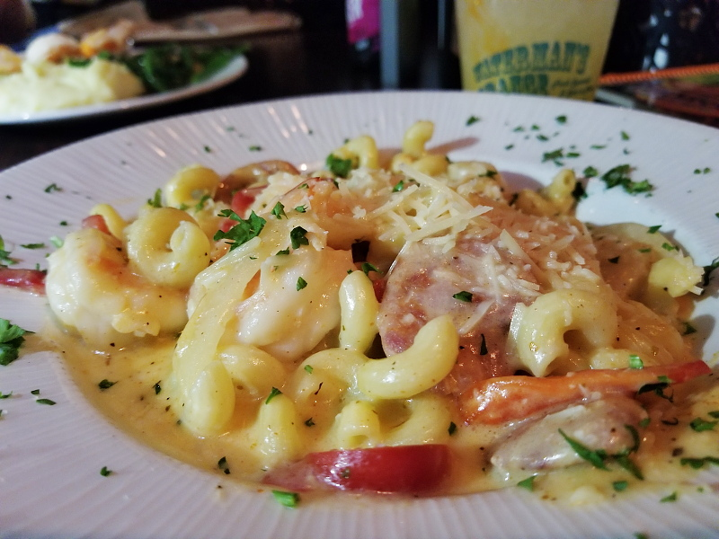 watermans-surfside-grill-seafood-pasta-19