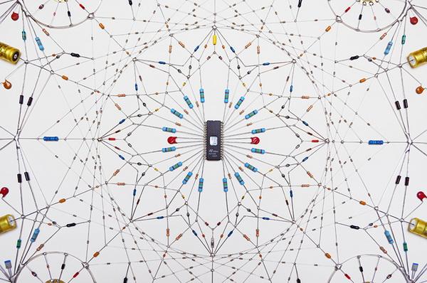 Sử dụng linh kiện điện tử để sáng tạo nghệ thuật