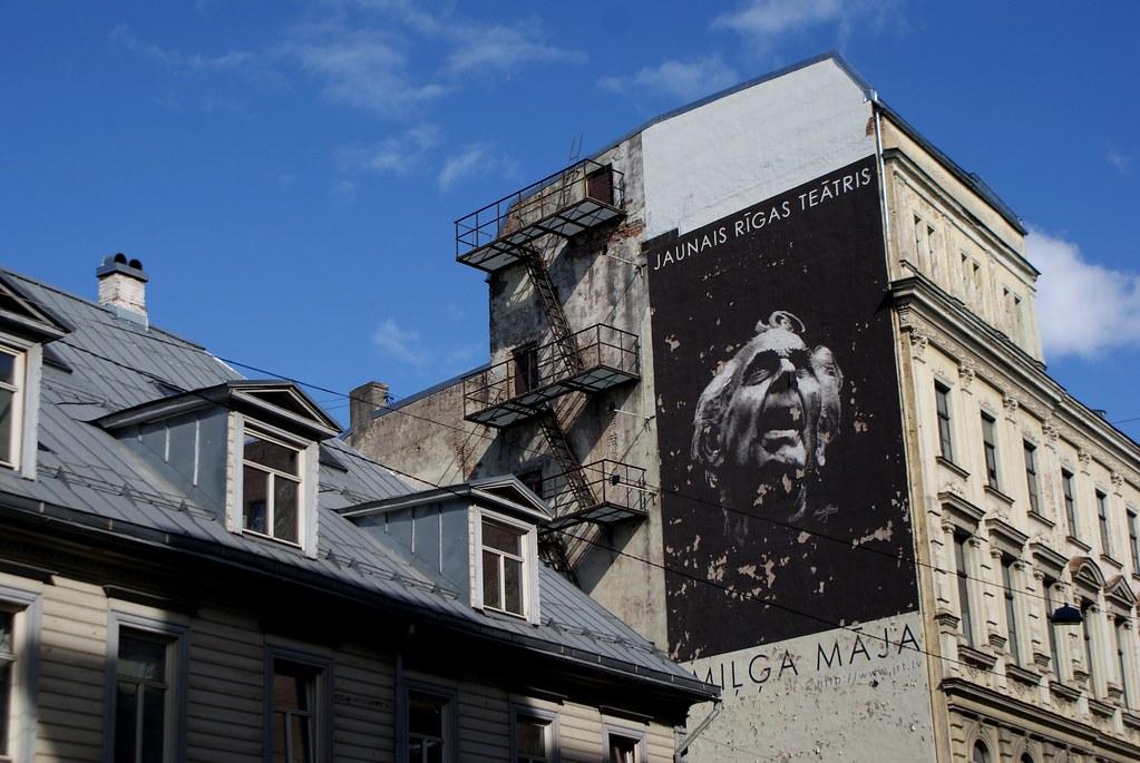 Peinture murale dans le quartier Centrs à Riga.