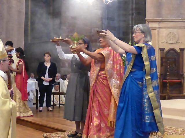 2017 06 25 Ordination presbyérale Manoj Visuvasam, cathédrale de Rodez (80)
