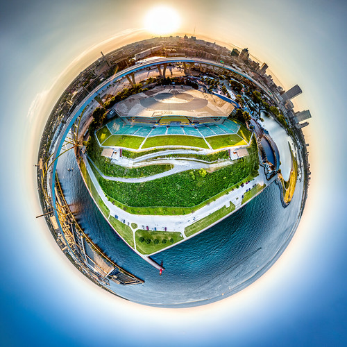 hoanbridge usa usbanktower summerfest littleplanet city milwaukee northwesternmutuallifeinsurancecompany aerial lakemichigan aerialphotography milwaukeecounty urban drone june dji mavic 2017 wisconsin milwaukeeharbor marcusamphitheater panorama unitedstates djimavicpro mavicpro downtown us