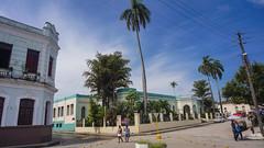 Antiguo Cuartel Espa�ol (hoy Escuela) y Hotel Suizo frente al parque de los M�rtires