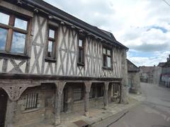 Rue Hubert Languet, Vitteaux