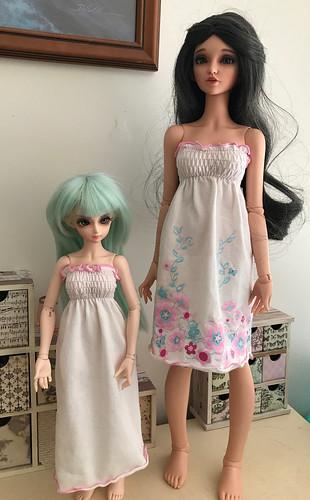 2 dresses 1 baby top