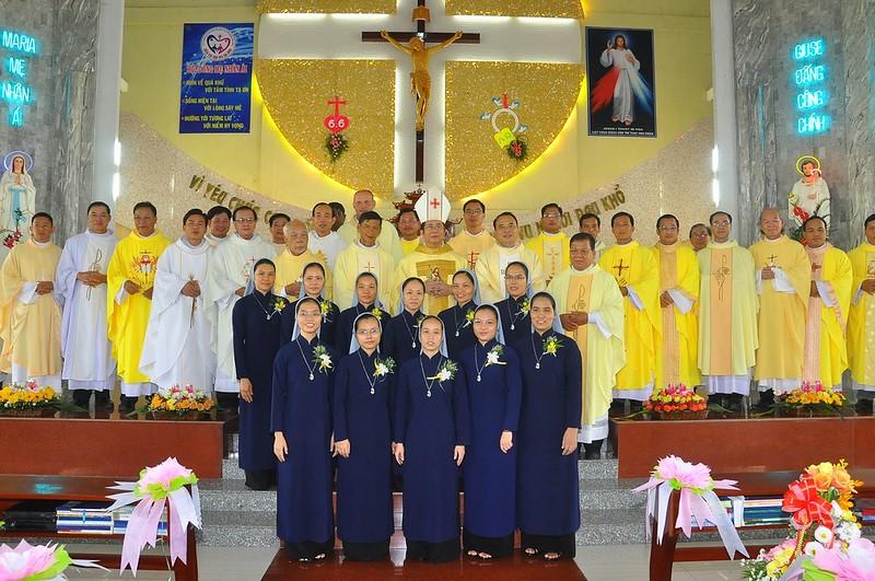 Giáo Phận Phú Cường: Hội Dòng Mẹ Nhân Ái - Hồng Ân Thánh Hiến