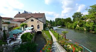 Verteuil-Sur-Charente. Nikon D3100. FSC_0180-0115.