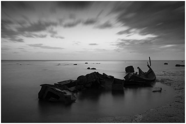B W Saltwick Bay, Nikon D300, Sigma 10-20mm F4-5.6 EX DC HSM