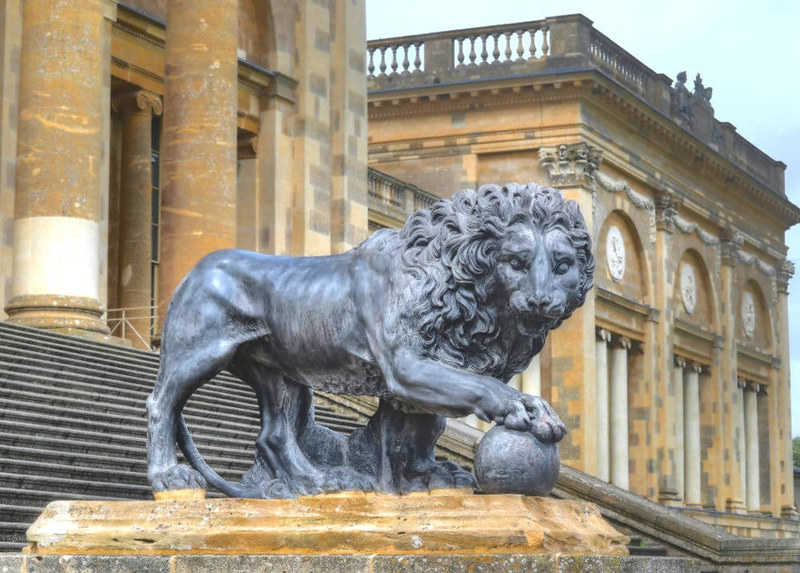 Stowe House Medici Lion sculpture. Credit Baz Richardson