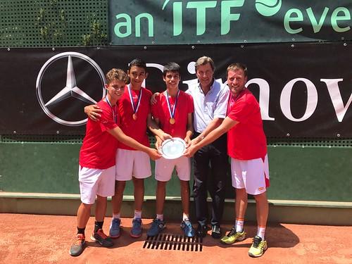 Nicolás Pérez con la Selección Española de Tenis Sub 14 campeones de Europa