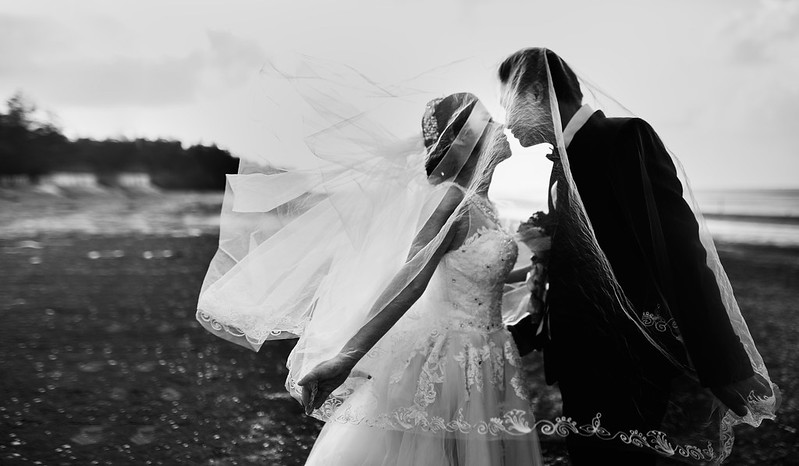 Wedding Kiss by Hieu Le at Stock Snap