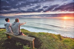 #Lennox heads early morning sunrise surf check. Clean lines of great surf rolling in and good friends ! In this pic I am pointing out where I plan on donating skin from the 65 cuts over my lower body from getting in on the rocks. But it was worth it. @73s