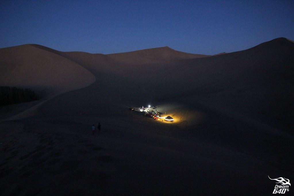 敦煌-鳴沙山月牙泉-沙漠露營-06