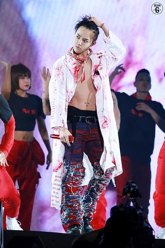 G-Dragon ACT III MOTTE in Seoul 2017-06-10 (16)