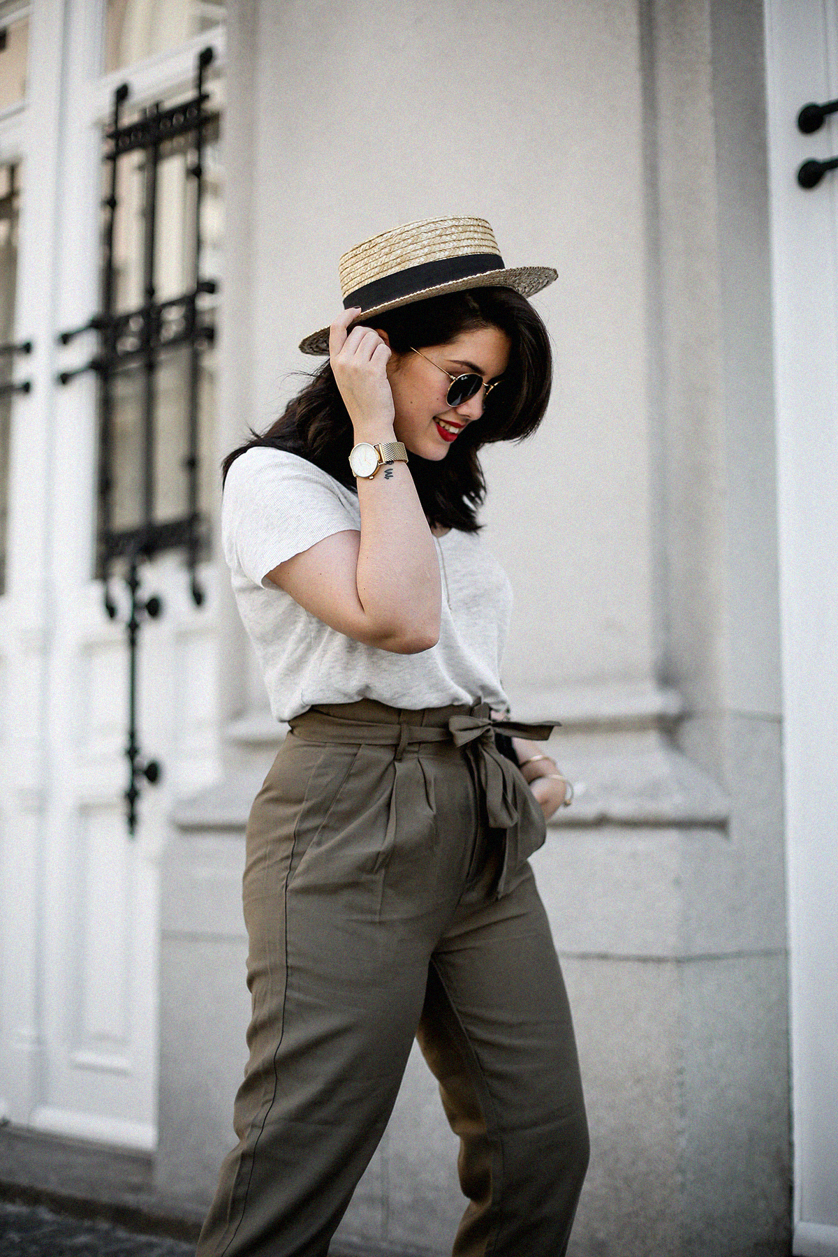 pantalones-verdes-altos-palas-borlas-zara-canotier-look-myblueberrynightsblog14