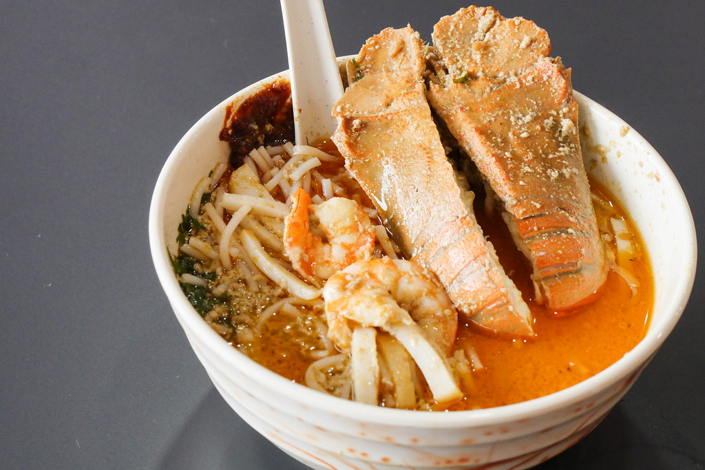 Paya Lebar Food: The Original Katong Laksa