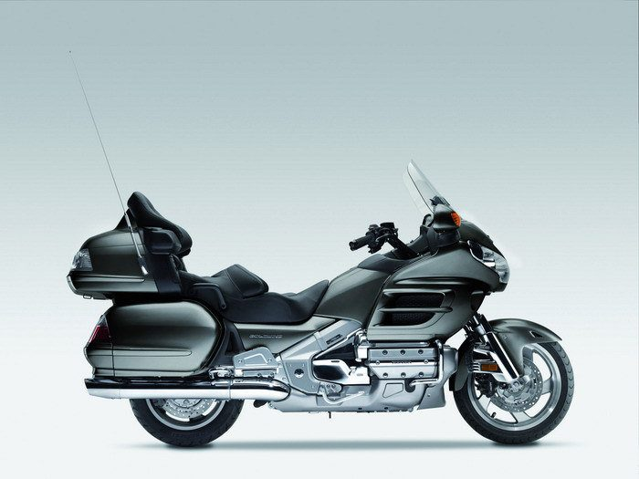 Honda GL 1800 GOLDWING 2010 - 33