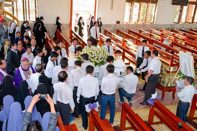 Lễ An Táng Thân Phụ Đức TGM Giuse Nguyễn Chí Linh - Ảnh minh hoạ 2