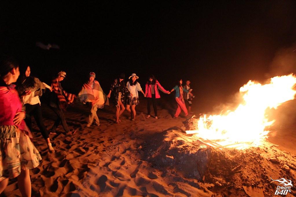 敦煌-鳴沙山月牙泉-沙漠露營-07