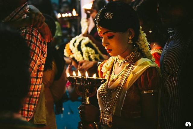 CHAMAYAVILAKKU Kottankulangara Chamayavilakku, temple ritual where men dressed up as women offered prayers to the Goddess Bhagavathy. #Chamayavilakku #Kottankulangara #OfferingToGod #RitualsOfKerala #Ritual #AmazingIndia #IncredibleIndia #TempleFestival #