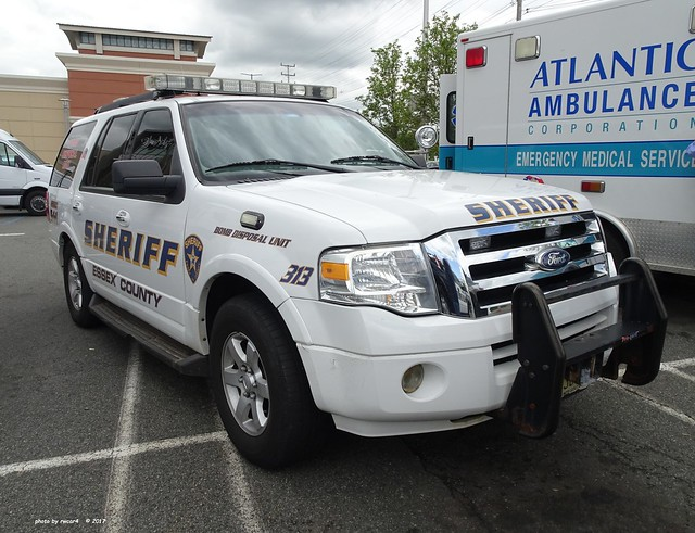 Essex County NJ Sheriff - Ford Expedition - Bomb Disosal Unit (01)