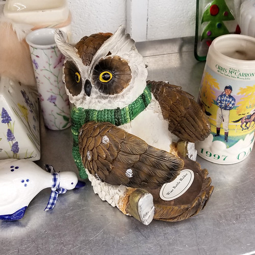 owl wine holder