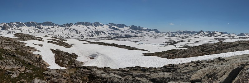 Panorama shot looking southwest over Humphreys Basin from up near the Humphreys Lakes