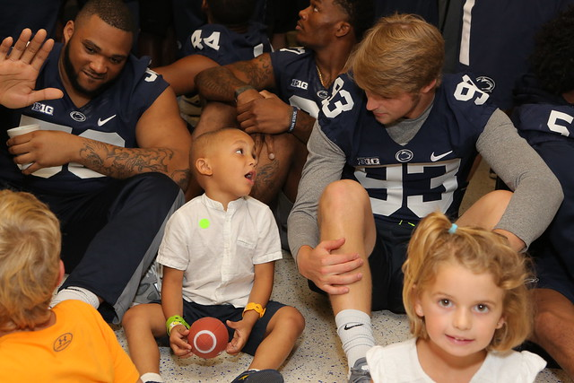 Penn State football team visit (7/13/17) - Penn State Children's Hospital