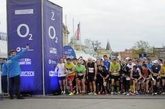 O2 Pražská Štafeta 4x5 je tady, tisíce běžců se proženou Stromovkou