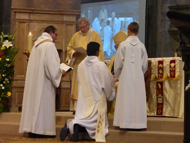 2017 06 25 Ordination presbyérale Manoj Visuvasam, cathédrale de Rodez (129)