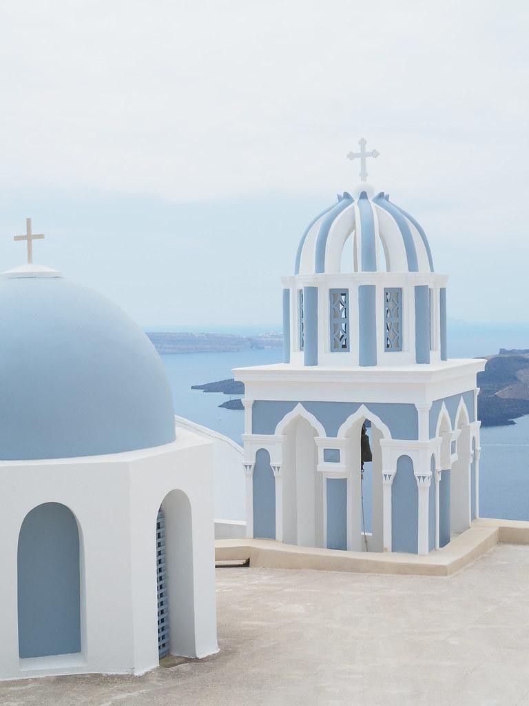 santorini-kupolit