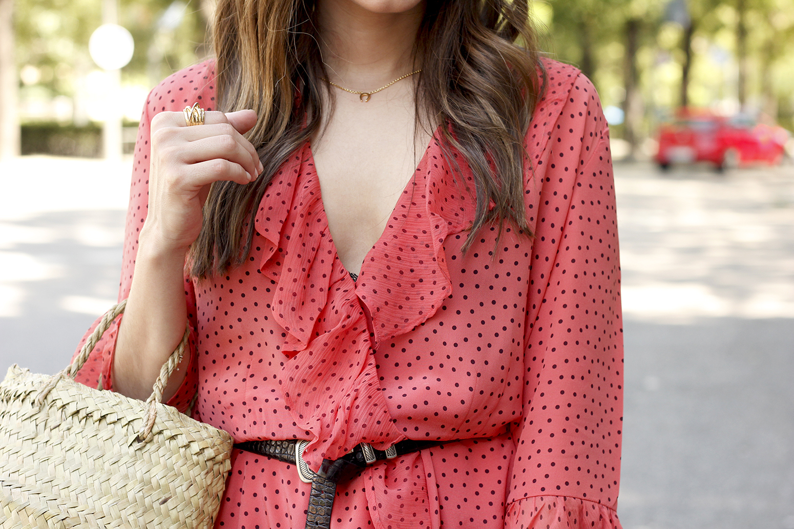coral dress with dots and frills uterqüe black heels summer outfit style fashion14