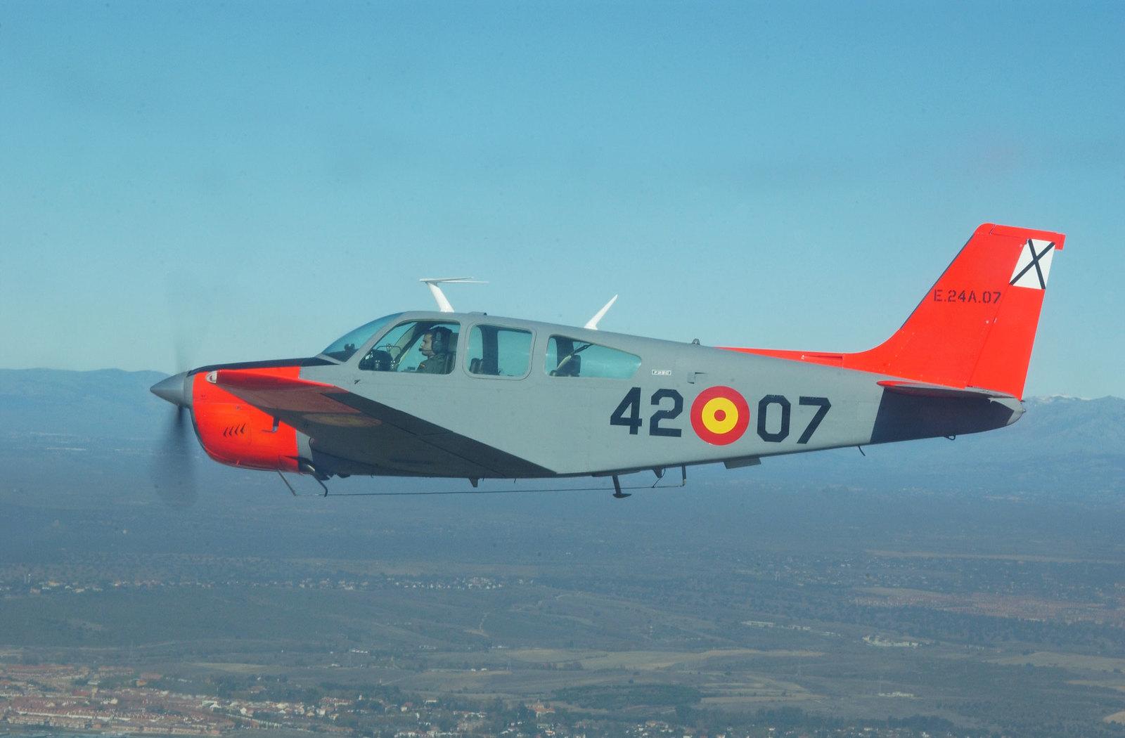 Beechcraft 33C Bonanza (E.24)