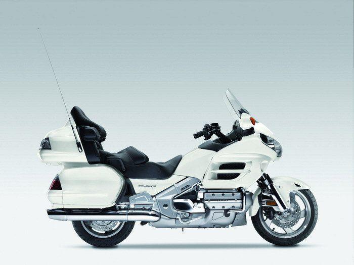 Honda GL 1800 GOLDWING 2010 - 22