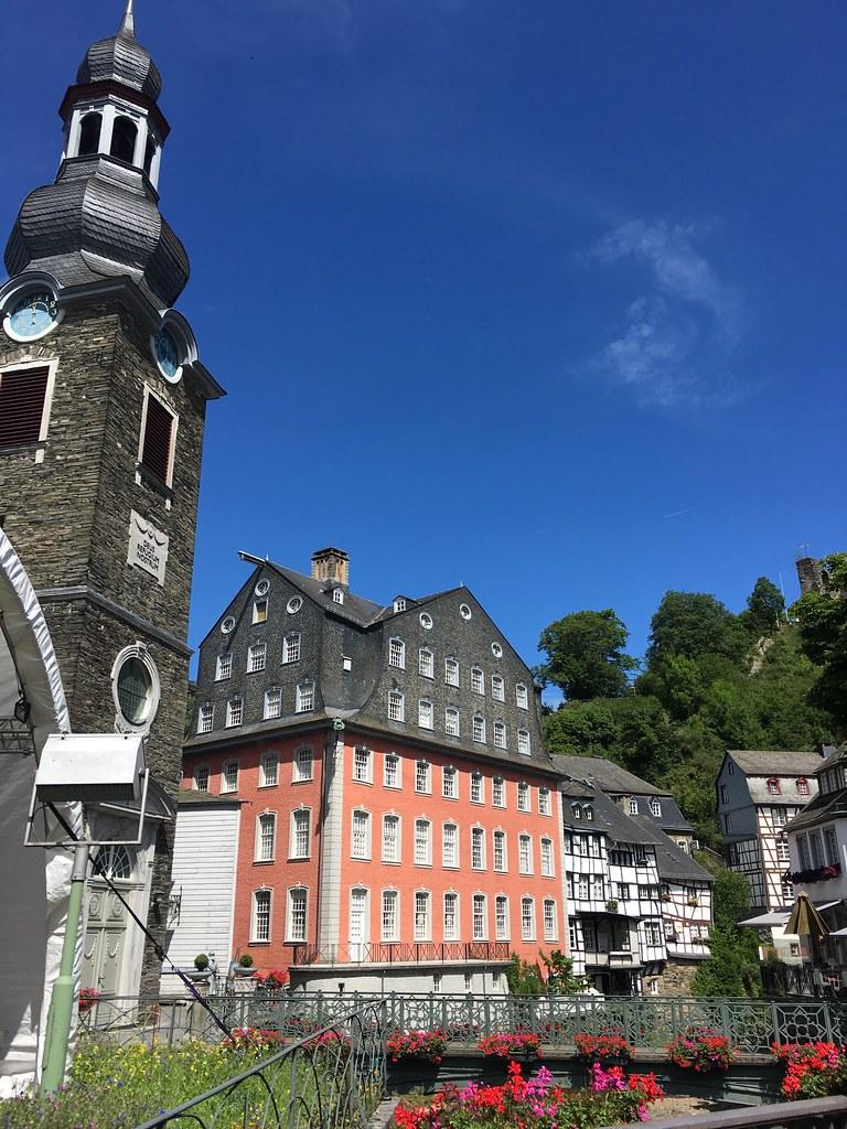 Monschau eifel germany tripcarta for Eifel germany hotels