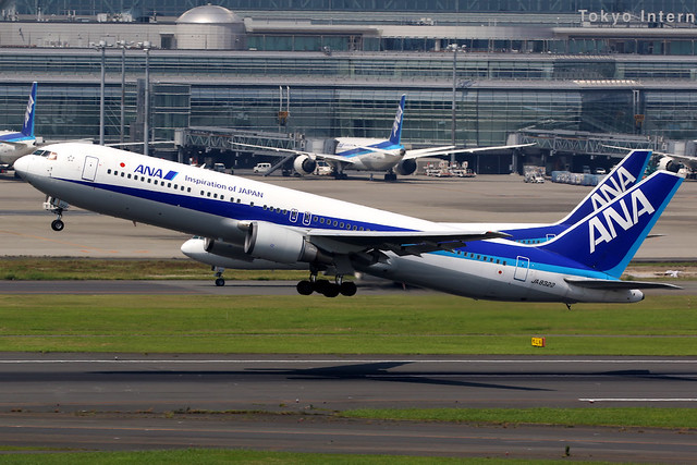 All Nippon Airways | Boeing 767-300 | JA8322 | Tokyo Haneda