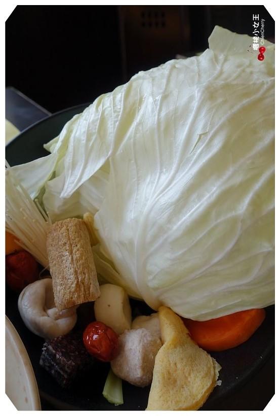 大直,捷運美食,涮涮鍋,鍋饕,紅酒牛肉,安格斯牛肉,大盤肉,火鍋吃到飽,東森新聞躁咖,雪花牛