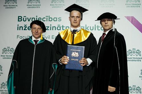 Diplomu pasniegšana Būvniecības inženierzinātņu fakultātei