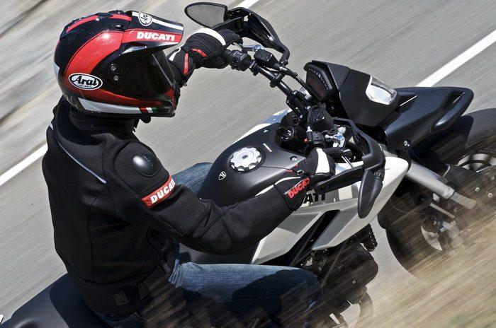 Ducati HM 796 Hypermotard 2010 - 29