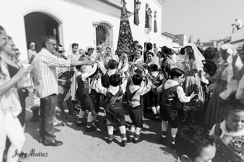 La folía Infantil, de los cascabeleros Alosno #alosno #sanjuan #cascabeles #tradicion #dance