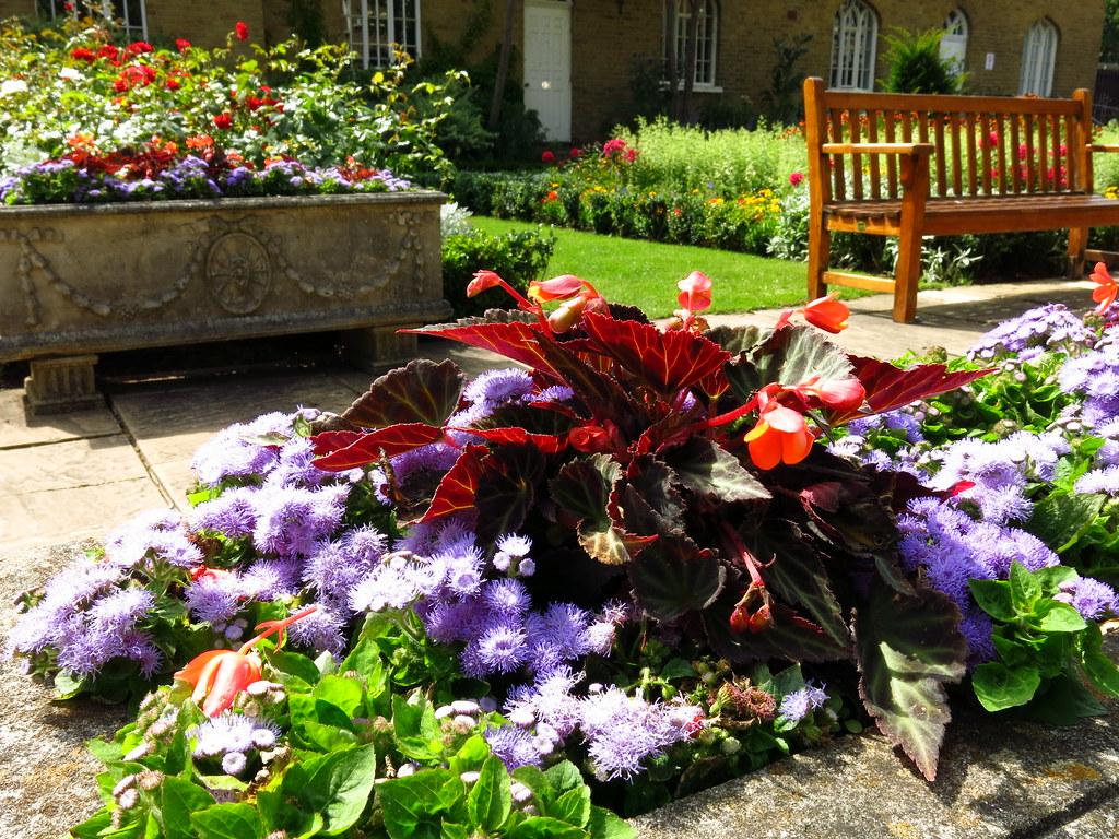 Chumleigh Gardens, Burgess Park