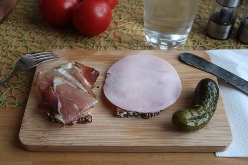 Schinkenspeck und Kochschinken auf Dinkel-Pur-Brot