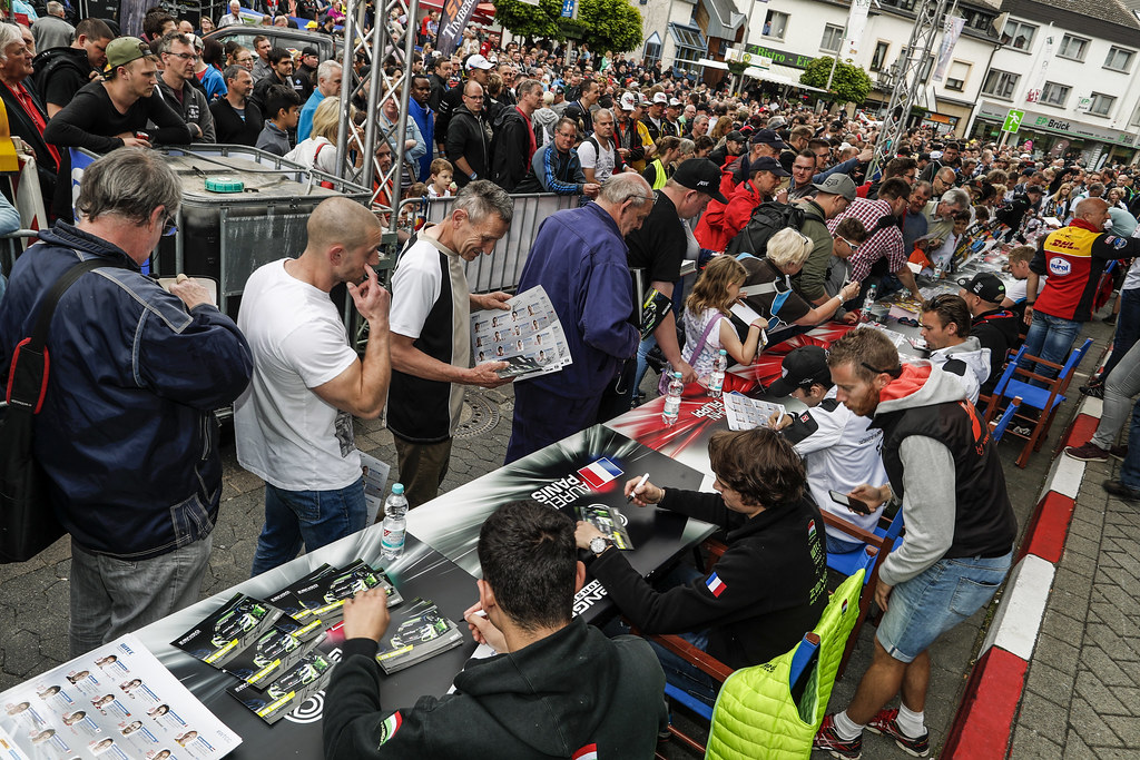 Autograph session ambiance during the 2017 FIA WTCC World Touring Car Race of Nurburgring, Germany from May 26 to 28 - Photo Florent Gooden / DPPI