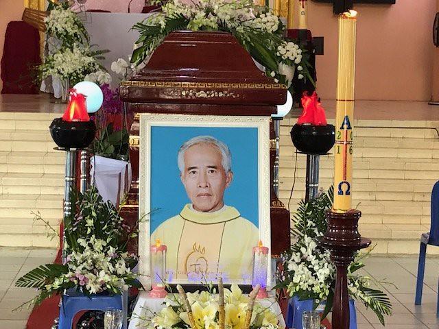 Gp Long Xuyên: Thánh lễ An táng cha Cố Giuse Đỗ Xuân An
