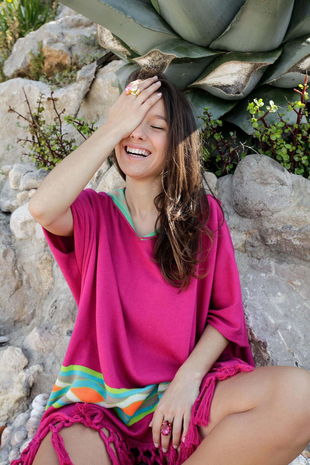 07_Poncho_rosa_RÜGA_Laura_Santolaria_Theguestgirl_Ambassador_influencer_barcelona