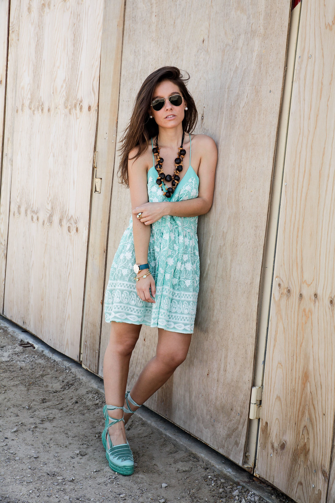 01_turquoise__dress_summer_outfit_miss_june_castañer_cuñas_aguamarina_theguestgirl_influencer_barcelona_laura_santolaria