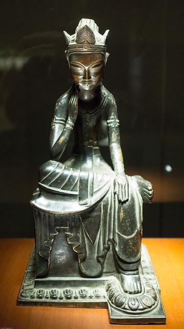 Seated Buddha (Bodhisattva) with One Leg Peadeat