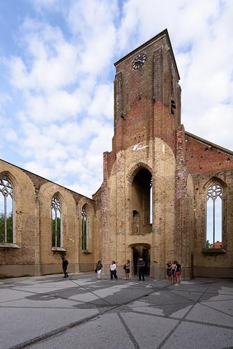 Voormalige Sint-Amelbergakerk Bossuit