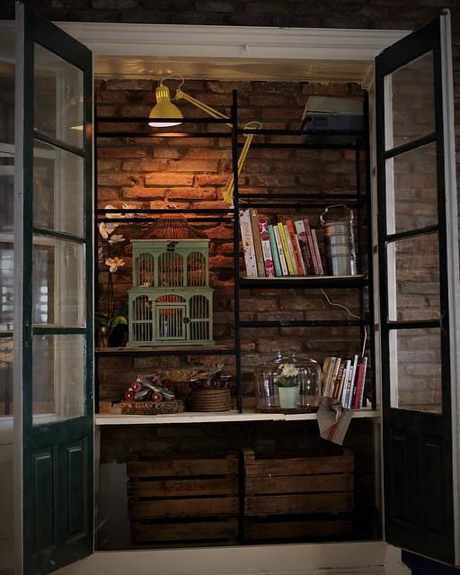 Haciendo sitio para los libros de @criszielin. . . . . . . .  #woods #woodworking #wood #woodwork #brick #brickwall #brickell #design #designs #designdeinteriores #diseño #upcycle #upcycling #upcycled #vintage #vintagestyle #vintagedecor #diy #diydecor #l