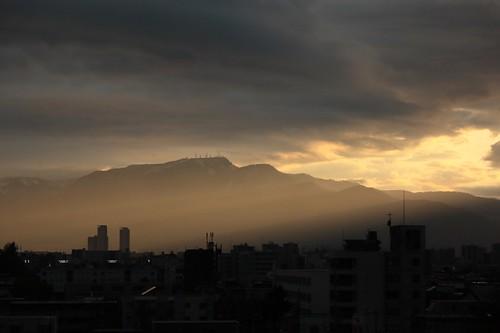 手稲山に差し込む光